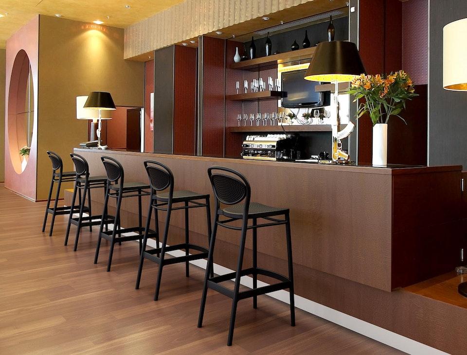 Marcel-Bar.jpg