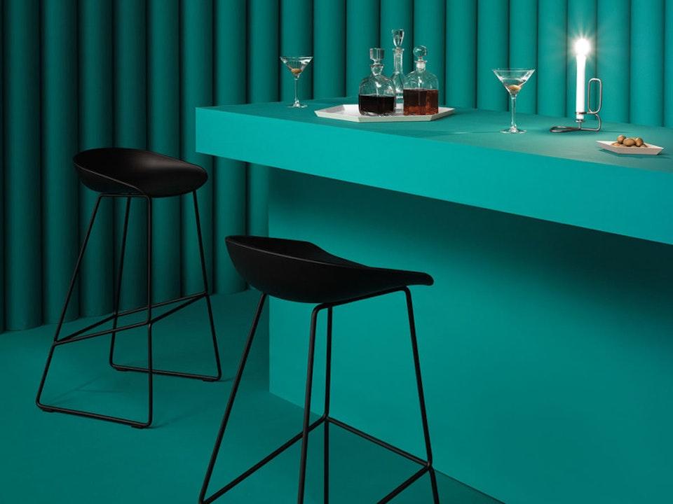 PC125-metal-black-bar-stool.jpg
